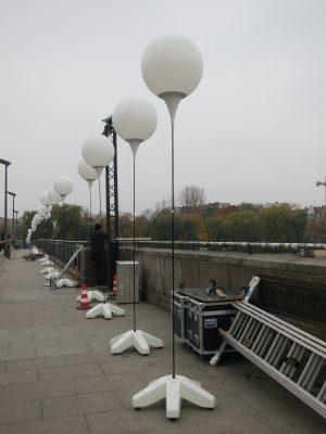 Lichtballons auf der Oberbaumbrücke